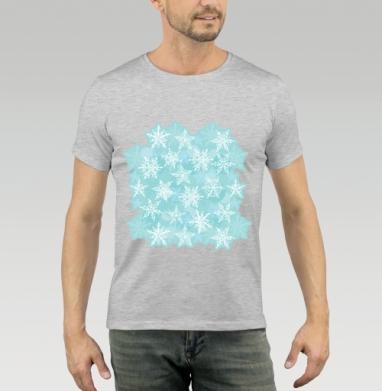 Футболка мужская серый меланж 200гр - новогодний орнамент. белые снежинки на голубом фоне