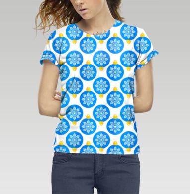Футболка женская c полной запечаткой - Паттерн с голубыми ёлочными шарами
